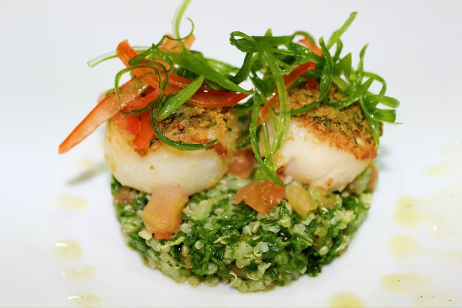 breaded-sea-scallop-and-kale-quinoa-tabouleh